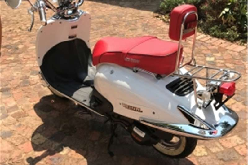 Big Boy Revival Scooter with only 40km on the clock for sale! 0