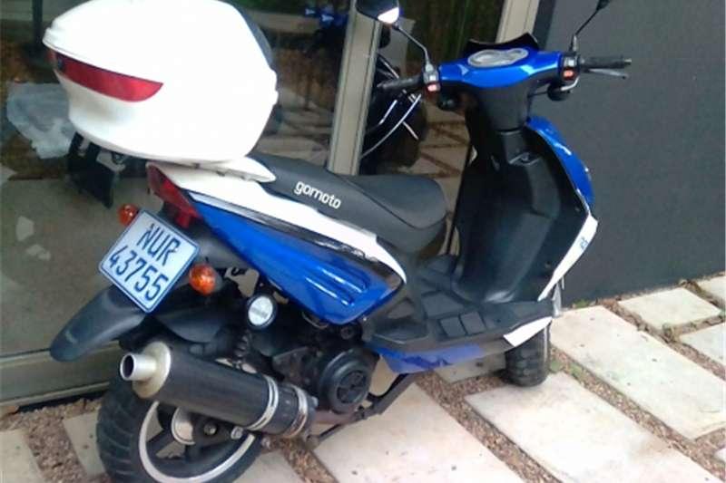 Gomoto Nippi scooter 0