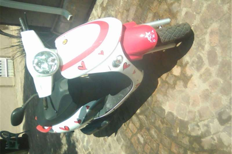 Gomoto scooter for sale 0