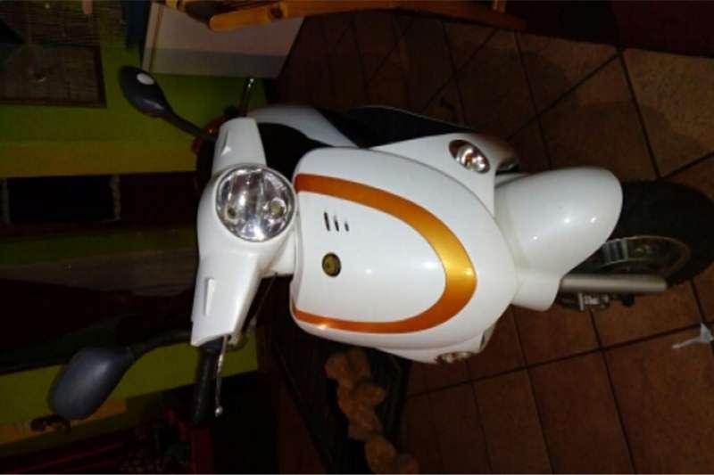 Gomoto scootermodel 150cc 2013
