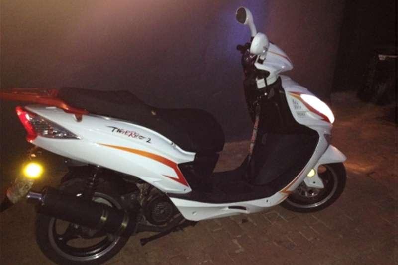 Gomoto Tiggaro scooter 2015