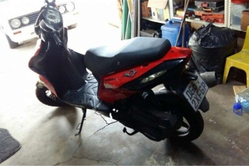 Gomoto Urban Tribe 170cc Scooter for sale 2014
