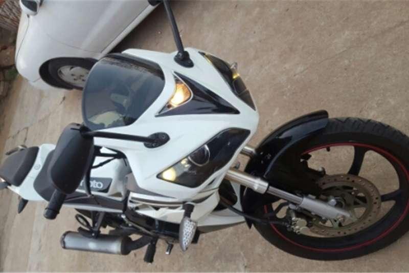 Gomoto ZR 200 2011