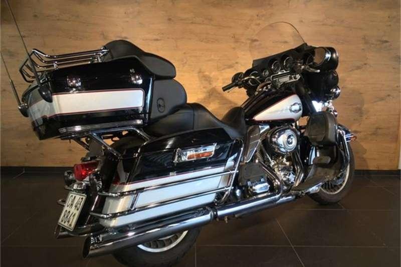 Harley Davidson Electra Glide Ultra Classic FLHTCU Two Tone (10my) 2010