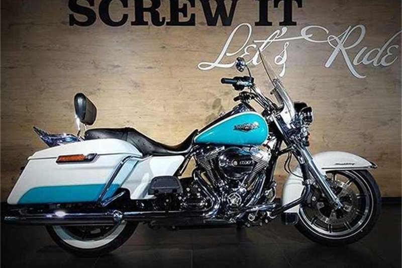 Harley Davidson Road King Classic FLHRC 2 Tone (15my) 2015