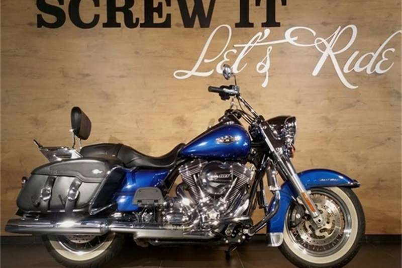 Harley Davidson Road King Classic FLHRC Solid (15my) 2015
