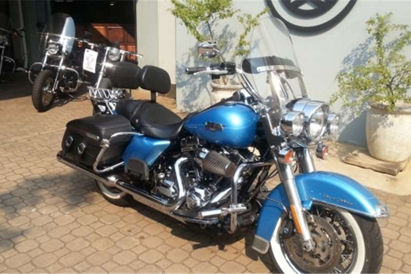 Harley Davidson Road King Classic. (Screaming Eagle 110 Motor) 2011