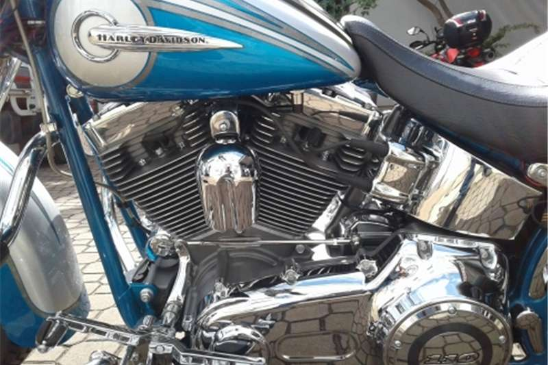 Harley Davidson Softail Deluxe CVO. (Collectors Item) 2015