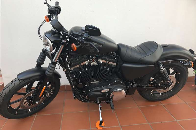 Harley Davidson Sportster Iron 883N 2017