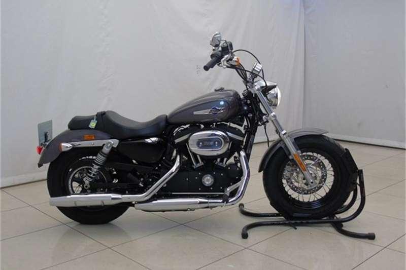 Harley Davidson Sportster XL1200C 1200 Custom 2016