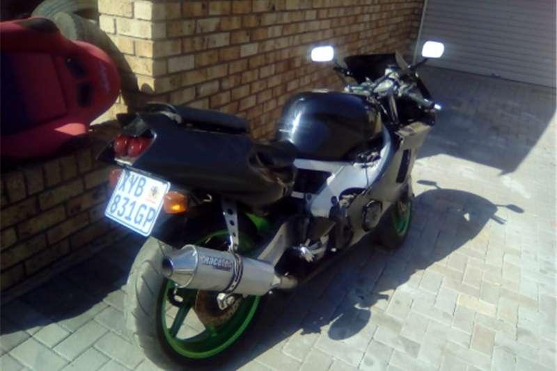 Honda CBR 400 bike 0
