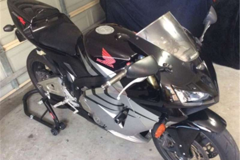 Honda CBR with papers and running 0