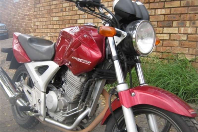 Honda CBX 250cc Twister   R17 500 0