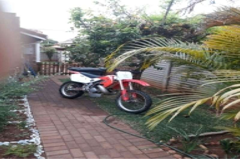 Honda CR 250cc two stroke 0