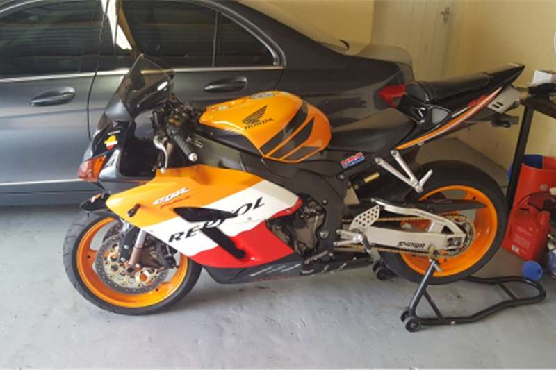 Honda Fireblade 1000cc REPSOL addition 0