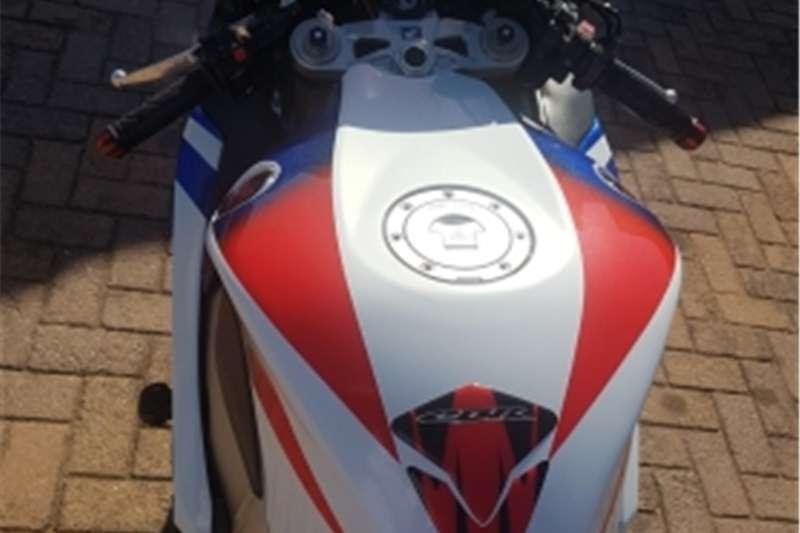 Honda Fireblade 2011