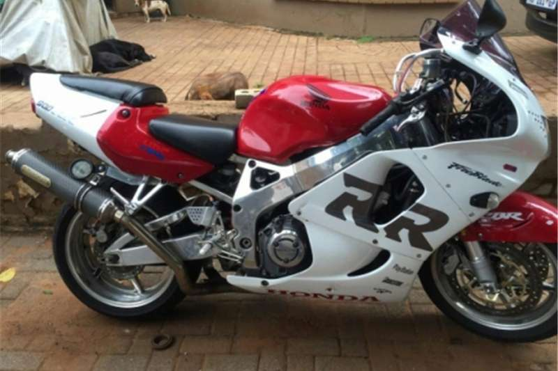 Honda Fireblade 900cc 6speed excellent condition great runner 2004