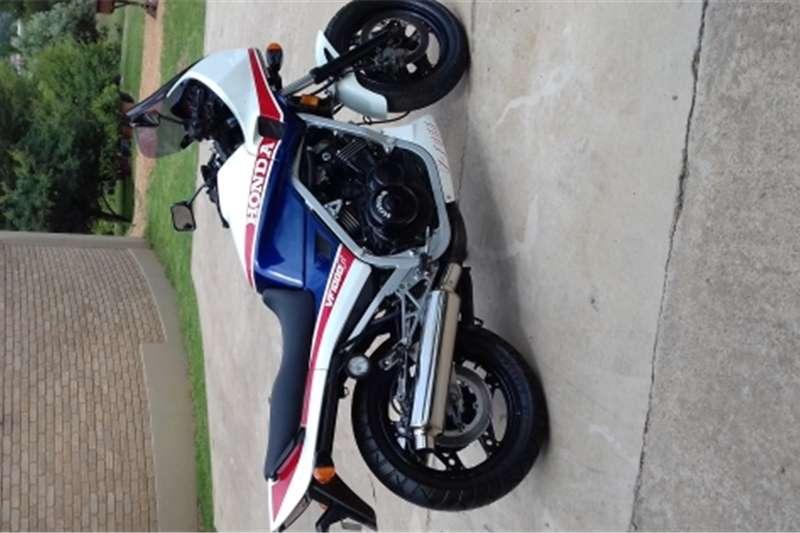Honda vf 1000 0