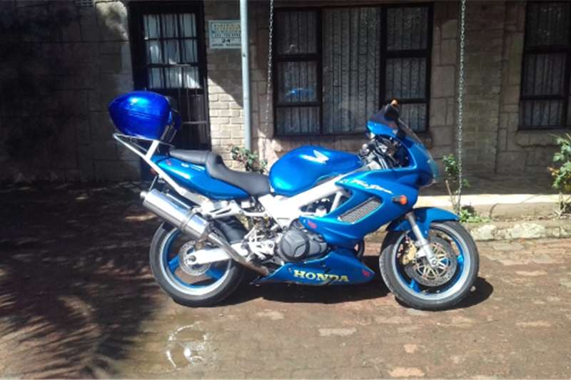 Honda VTR firestorm 38100 km on clock for sale or to swop fo 2004