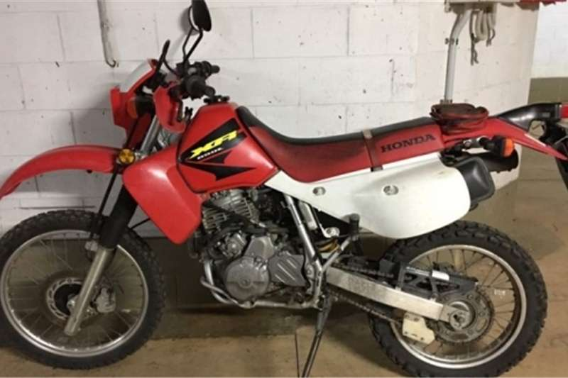 Honda XR650 with low kms and papers for sale 2003