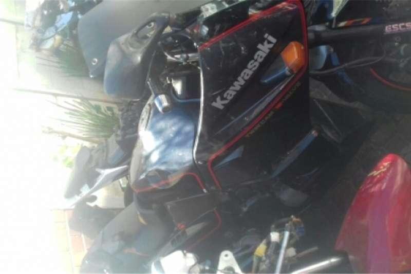 Kawasaki GPX 750 0