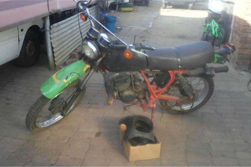 Kawasaki ke 175 0