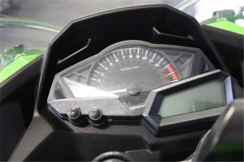 Kawasaki ZX10 1000cc (CC101 409) 2011