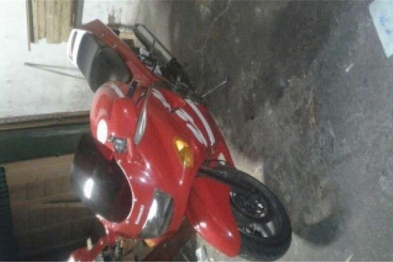Kawasaki zzr400cc 0