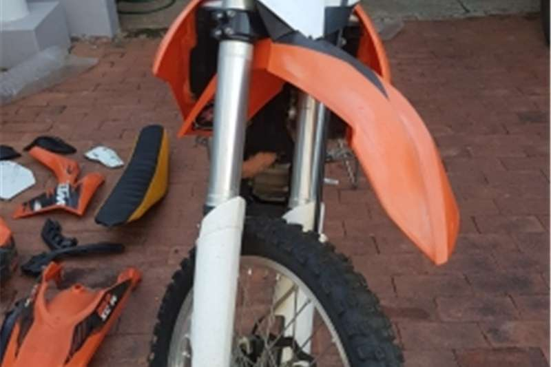 KTM SX-F Excellent Condition  Lots of extras 2011
