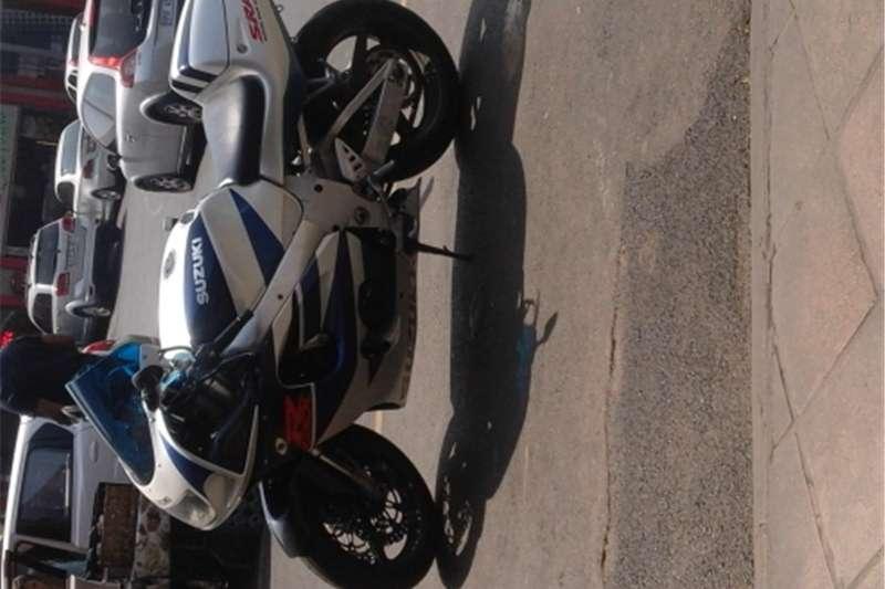 Suzuki 750 super bike SRAD 0