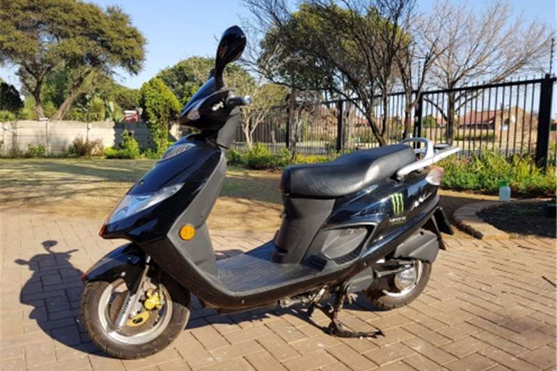 Suzuki AN125 Scooter for sale 2009
