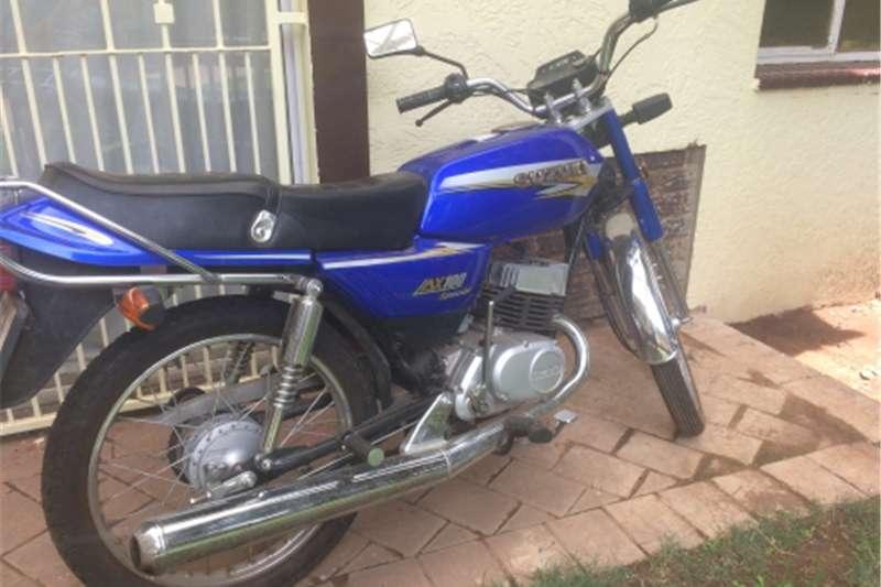 Suzuki AX100 0