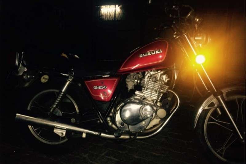 Suzuki GN250 0