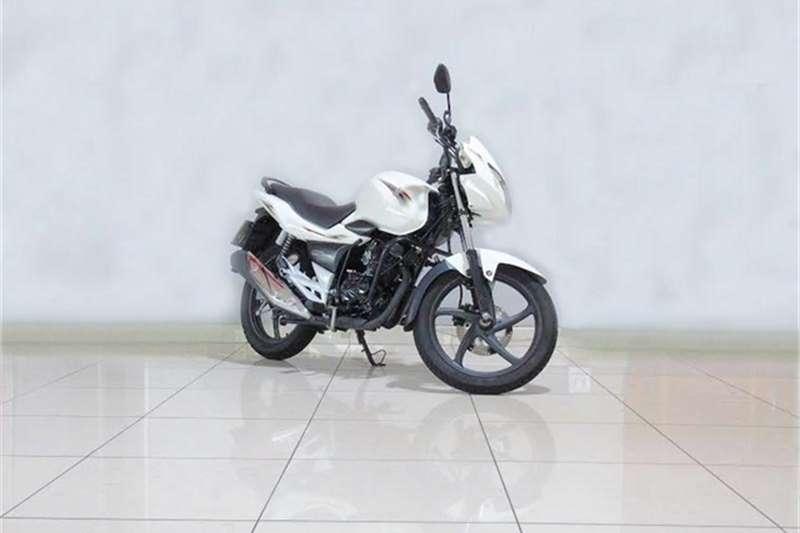 Suzuki GSR 2016