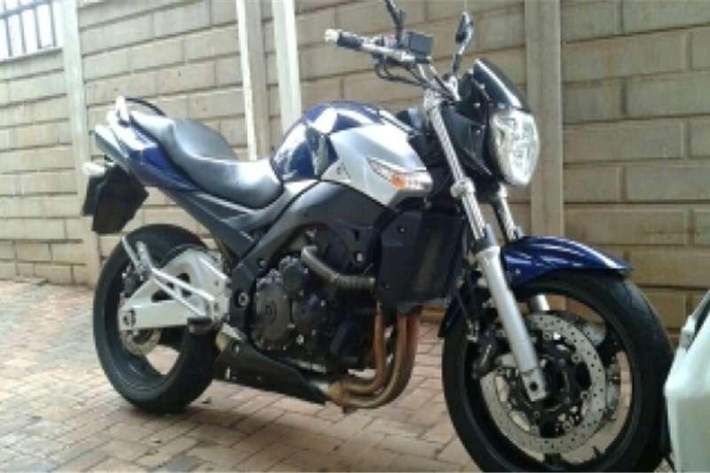 Suzuki GSR600 2008