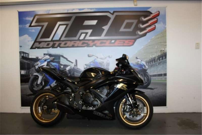 Suzuki GSXR750 Black and gold 2009