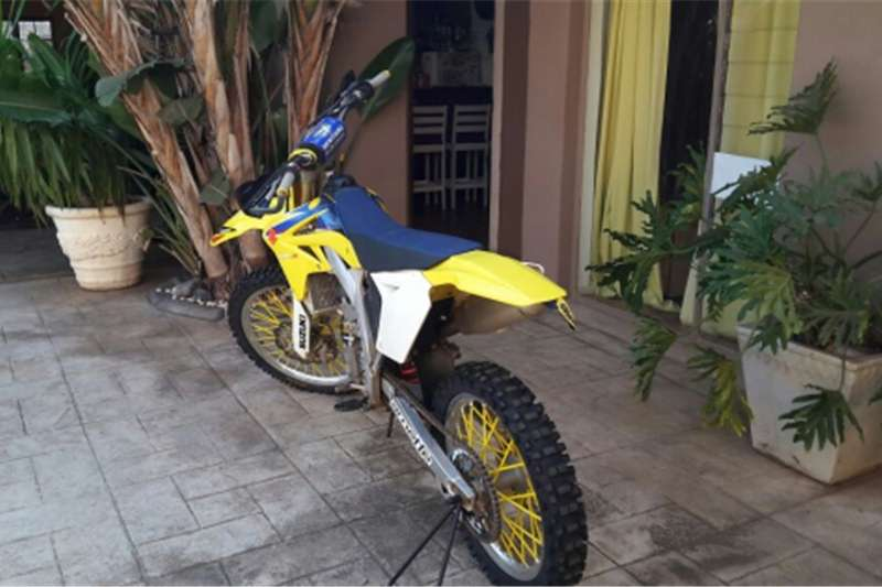 Suzuki RMZ 250Model for sale with full kit 2009