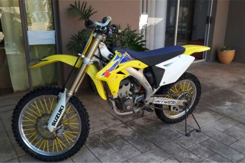 Suzuki RMZ 250Model for sale with full kit 2009