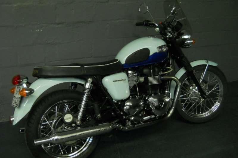 Triumph Bonneville T100 EFI 2011