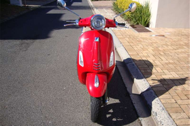 Vespa 150 Primavera ABS   AUTOMATIC   Only 1 600 kms 2016