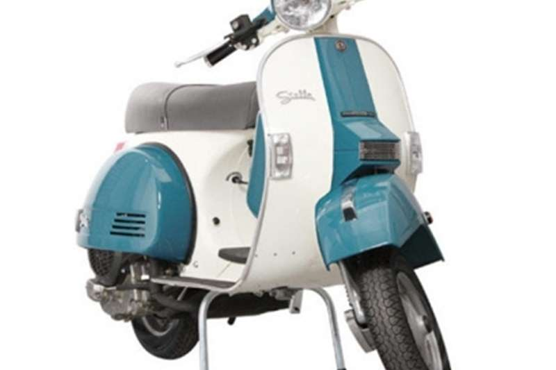 Vespa   SPECIAL EDITION SLATE BLUE/ANTIQUE WHITE 0