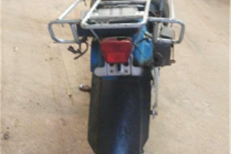 Yamaha AG 200 0