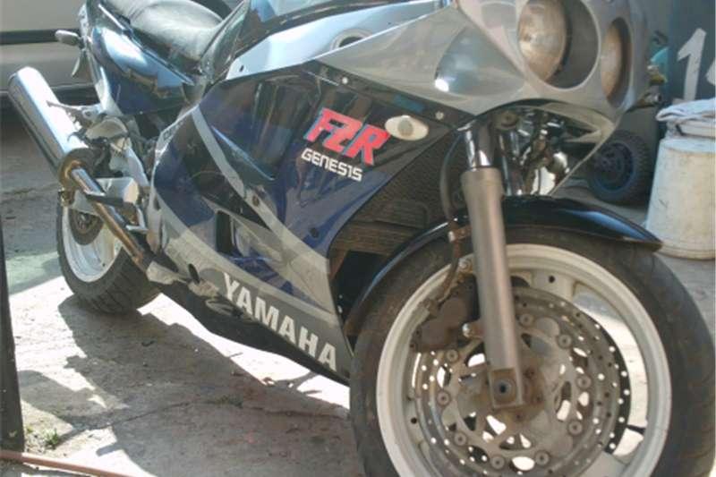 Yamaha FZR 1000 0