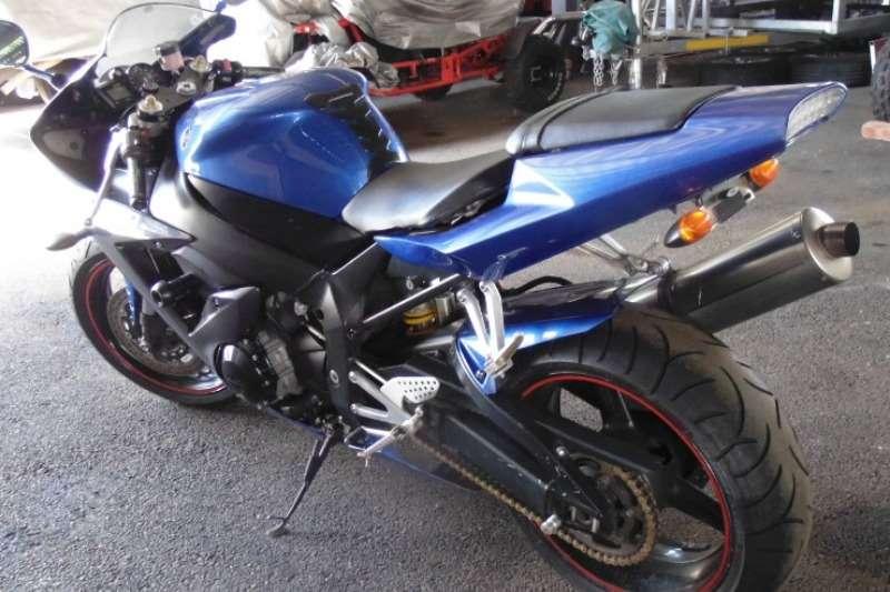 Yamaha FZR 2003