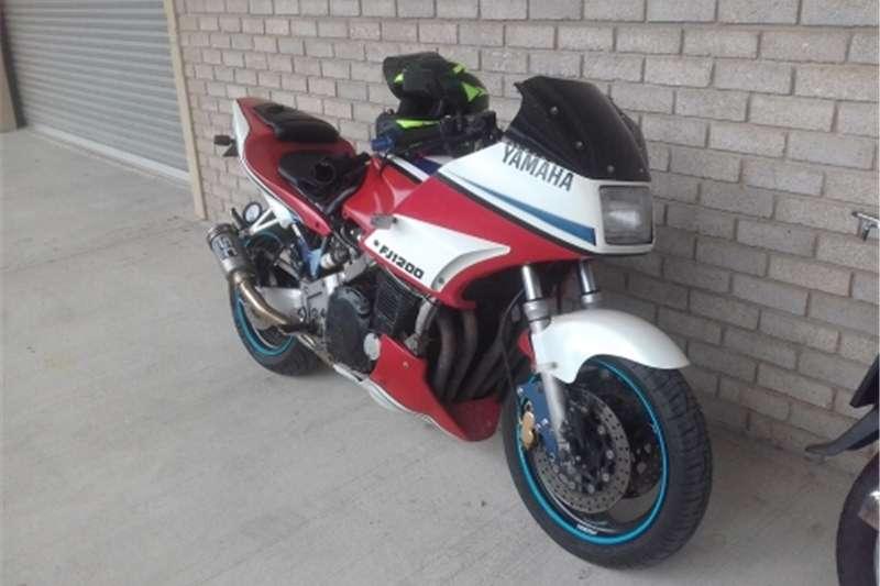 Yamaha IT 2010