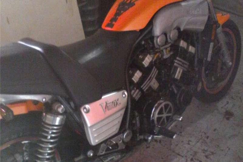 Yamaha V-Max 2002