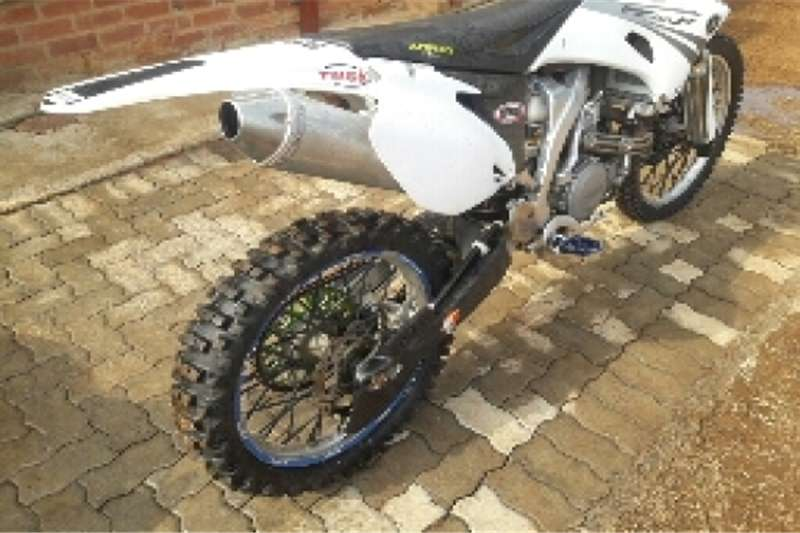 Yamaha YZF 450 0