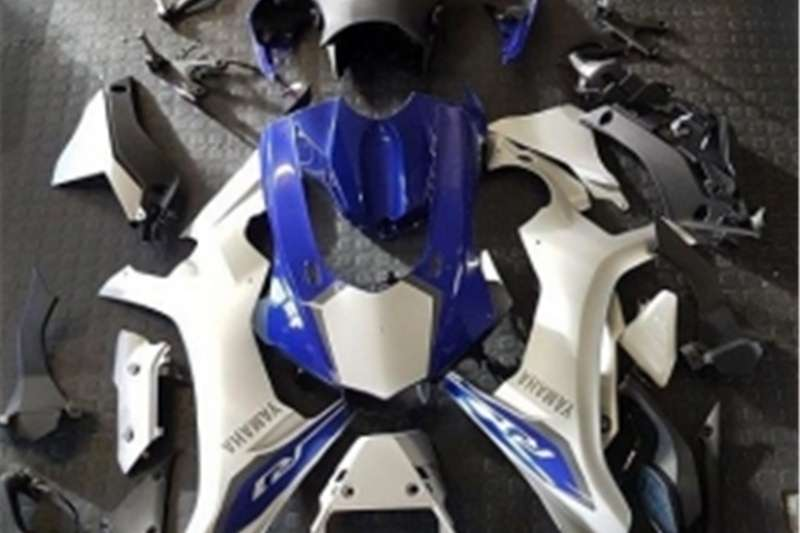 Yamaha YZF R1   15 Inch to 17 Inch Body Kit   R25 000 0
