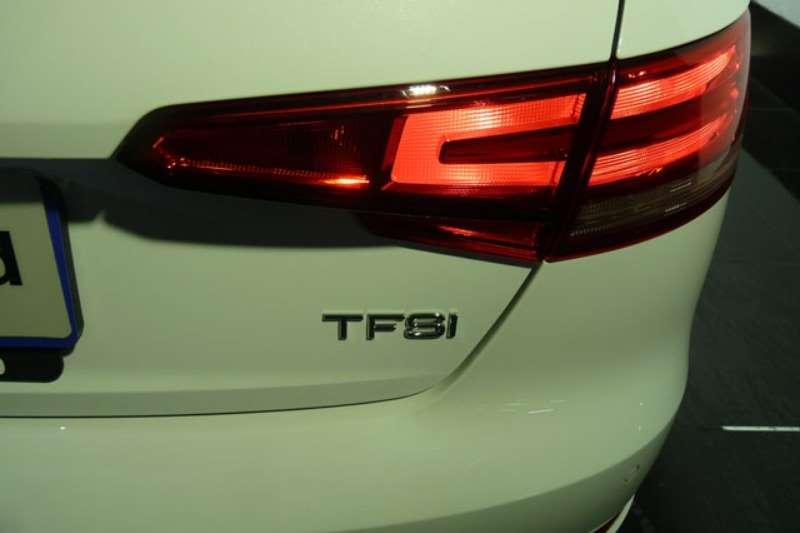 Design Line : Audi a tfsi design line sedan petrol fwd automatic