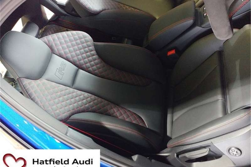 Audi RS3 sedan quattro 2017